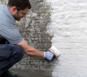 tanking a wall with cementitious tanking slurry