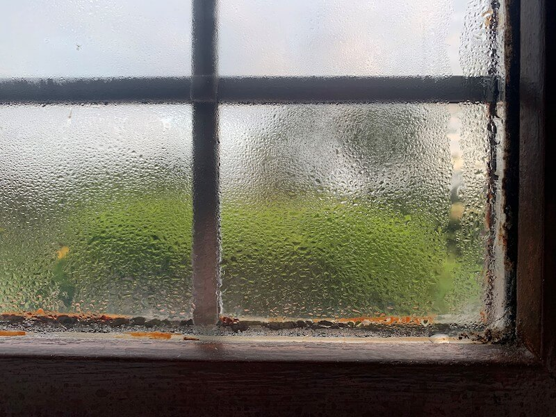 condensation on window in student house